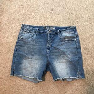 Where can I buy women's Massini jeans?